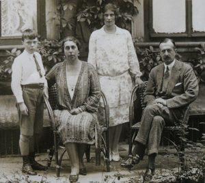 Великий князь Кирилл Владимирович с своей семьёй в эмиграции