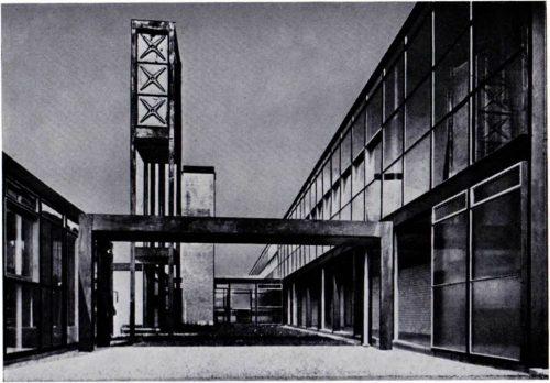 школа в Ханстентоне, Великобритания, 1964 г., архит. Э. Смитсон