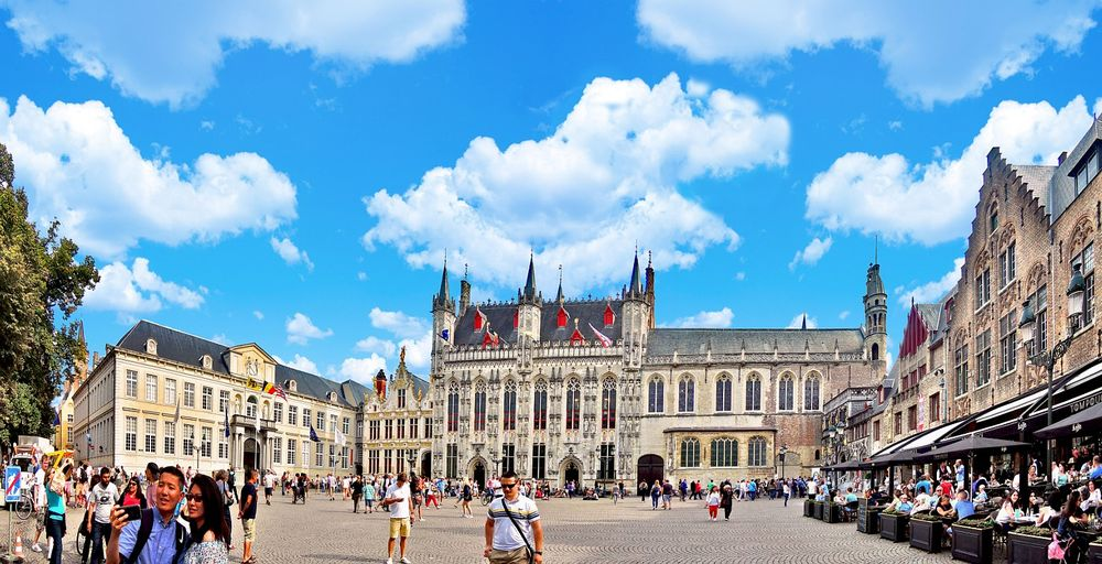 Ратуша и канцелярия городского суда в Брюгге