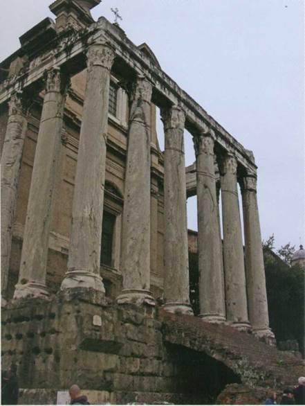 Колонны, столбы, стены - наиболее распространенные элементы руинированной среды