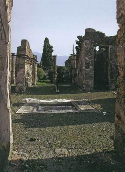 Пространство руин «сильно нуждается во взгляде со стороны...